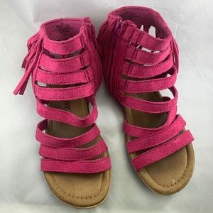 Minnetonka girls emery fucsia size 13